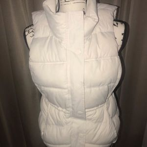 EUC Old Navy soft white puffer vest